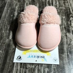 Isotoner Women's Slippers NWT
